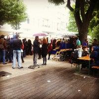 Das Foto wurde bei Nowkoelln Flowmarkt von Alper Ç. am 6/3/2012 aufgenommen