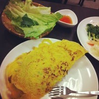 Photo taken at 越鄉越南美食館 Viet Huong Victnamese Foods by Monica L. on 7/2/2012
