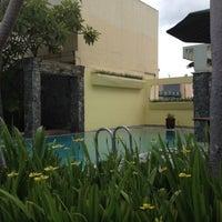 Photo taken at Ibis's Privat Pool by pandam on 3/25/2012
