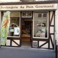 Photo taken at Au Pain Gourmand by Abdellah A. on 3/27/2012