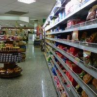 Foto tirada no(a) Sonda Supermercado por Luciana A. em 9/9/2012