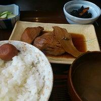 Photo taken at 季節料理 くら井 by Fujiwara K. on 8/24/2011