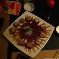 Foto tirada no(a) Sushi Yama por Marco M. em 1/18/2012