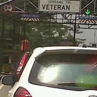 Photo taken at Pintu masuk tol tanah kusir by Yuni T. on 4/14/2012