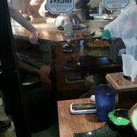 Photo taken at 호노야 by yuri h. on 9/13/2011