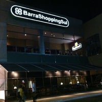 Foto tirada no(a) BarraShoppingSul por Gustavo J. em 1/4/2011