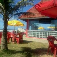 Foto tirada no(a) Praia do Arpoador por Carlos C. em 3/18/2012