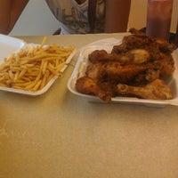 8/23/2012에 Marlene S.님이 John's Fried Chicken에서 찍은 사진