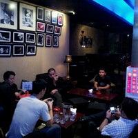 Foto tirada no(a) BlackCat Jazz & Blues Club por Bharata E. em 11/29/2011