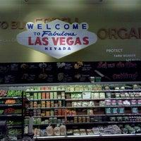 Foto scattata a Whole Foods Market da Mike H. il 11/6/2011