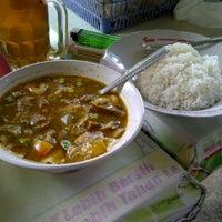 Photo taken at Soto mie pak amin ligut jagakarsa by damayanti k. on 10/27/2011