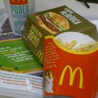 Foto tomada en McDonald's por Hernan G. el 11/4/2011