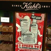 Photo taken at Kiehl's by Dia A. on 1/14/2012
