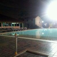 Das Foto wurde bei Costa Sands Resort (Pasir Ris) von Lawrence Z. am 8/24/2011 aufgenommen