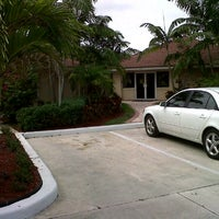 Photo taken at Waterside Luxury Townhomes Condo Assn. Inc - Clubhouse by Mark H. on 7/8/2011