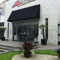 Photo taken at Pizza Hut by Rogério L. on 9/21/2011