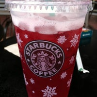 Photo taken at Starbucks by iSSye S. on 12/28/2010
