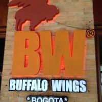 Photo taken at Buffalo Wings by Fernando A. on 3/28/2012