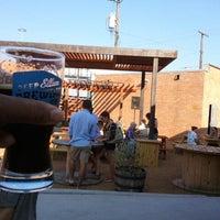 6/28/2012 tarihinde J. Damany D.ziyaretçi tarafından Deep Ellum Brewing Company'de çekilen fotoğraf