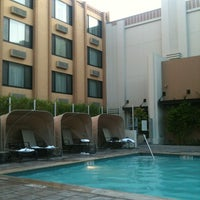 Photo taken at Holiday Inn Hotel & Suites Anaheim (1 Blk/Disneyland®) by C. A. on 6/23/2012