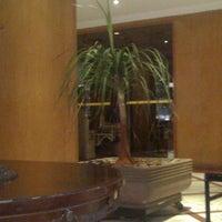 Foto tirada no(a) Hotel San Raphael por Rodrigo A. em 8/30/2012