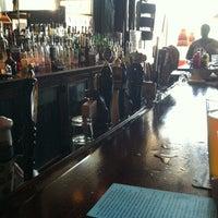 Foto diambil di Sidetrack Bar & Grill oleh Sarah O. pada 5/25/2012