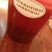 Photo taken at Bobalicious Smoothies by Joyce Rachel L. on 8/8/2012