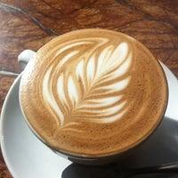 9/25/2011 tarihinde Steph B.ziyaretçi tarafından Espresso Vivace'de çekilen fotoğraf