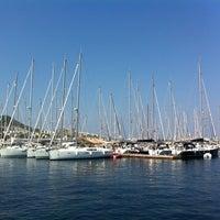 Foto diambil di Yalıkavak Marina oleh aslan o. pada 7/20/2012