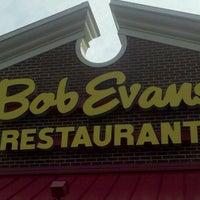 Снимок сделан в Bob Evans Restaurant пользователем Sonya M. 9/30/2011