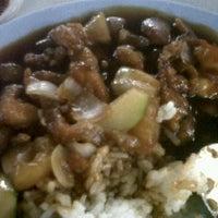 Photo taken at Khasiat Cafetaria by Jennyfan J. on 9/10/2011