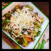 Photo taken at Salad Creations by José G. on 10/31/2011