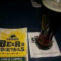 2/28/2012 tarihinde Matt M.ziyaretçi tarafından Buffalo Wild Wings'de çekilen fotoğraf