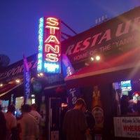 Foto tirada no(a) Stan's Sports Bar por Rob D. em 10/6/2011