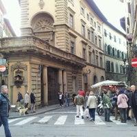Foto scattata a Via Tornabuoni da Samuele S. il 1/21/2012