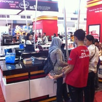 Photo taken at SCOMDEX 2011 Surabaya by Chandra on 11/4/2011