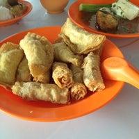 Photo taken at Segambut Yong Tow Foo by Joseph S. on 3/23/2012