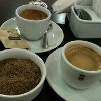 Photo taken at Havanna Café by Alexandre G. on 11/11/2011