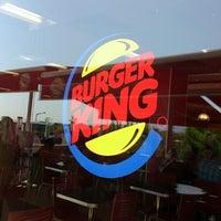 Das Foto wurde bei Burger King von Suna K. am 8/21/2012 aufgenommen
