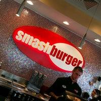 Снимок сделан в Smashburger пользователем Gary M. 7/21/2012