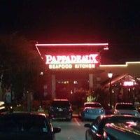 Das Foto wurde bei Pappadeaux Seafood Kitchen von Las Vegas P. am 5/26/2012 aufgenommen