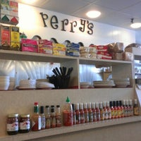 Photo taken at Perry's Main Street Deli by Zach D. on 8/7/2012