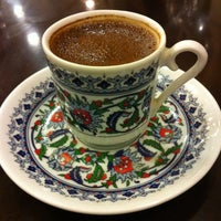 Photo taken at Istanbul Flower زهرة اسطنبول by Khaled A. on 2/9/2012