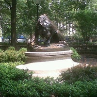 7/20/2011 tarihinde Matthew C.ziyaretçi tarafından Lion Crushing a Serpent'de çekilen fotoğraf