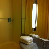 Снимок сделан в Mercure Airport Hotel пользователем Anastasia K. 8/9/2012