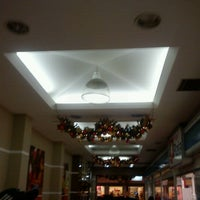 Photo taken at Figorelle Shopping by Dudu Gonçalves on 12/13/2011