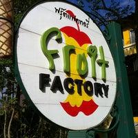 Photo taken at Fruit Factory by 🌺Ole-lemon🌺 on 11/24/2011