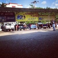 Photo taken at Lavadora de Autos Maya by Yop on 7/6/2012