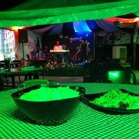 Photo taken at De ' Garage Cafe (Carwash) by De Garage C. on 11/29/2011