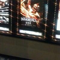11/12/2011 tarihinde VondaBziyaretçi tarafından Regal Cinemas North Hills 14'de çekilen fotoğraf